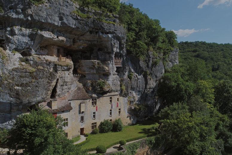 La-Maison-Forte-de-Reignac